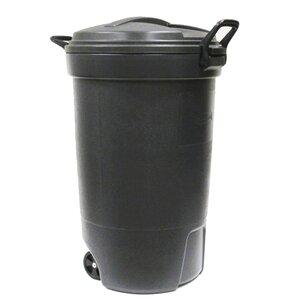 Rubbermaid Wheeled 32 Gallon Trash Can