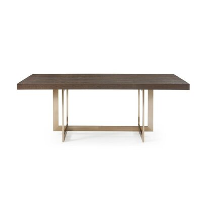 Kaan Dining Table Mercer41