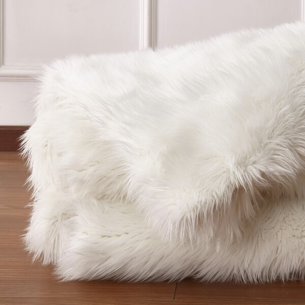 Cloville Plush Durable Throw by Foundry Select