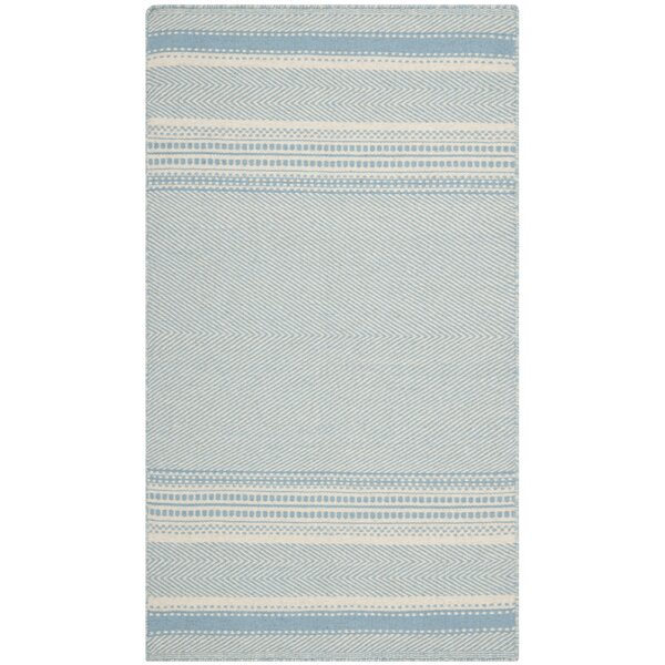 Kilim Hand-Woven Wool Light Blue/Ivory Area Rug by Safavieh