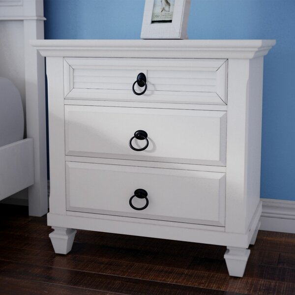 Centreville 3 Drawer Nightstand by Highland Dunes