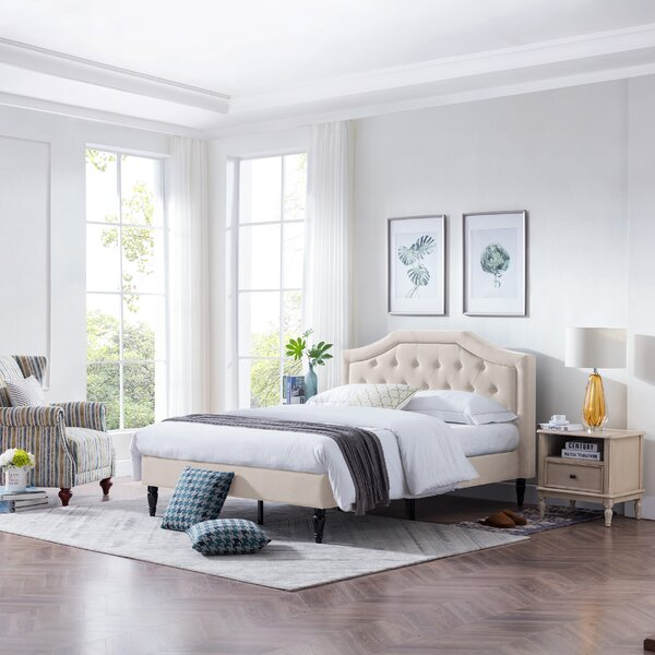 Leveille Fabric Queen Upholstered Platform Bed by House of Hampton