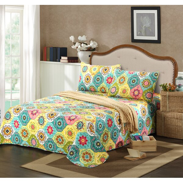 Geo Spring Flower Reversible Bedspread Set by Tache Home Fashion
