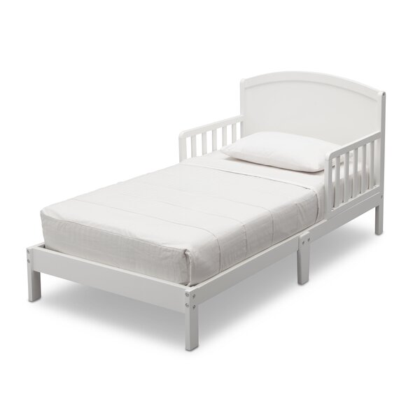 Abby Convertible Toddler Bed by Delta Children