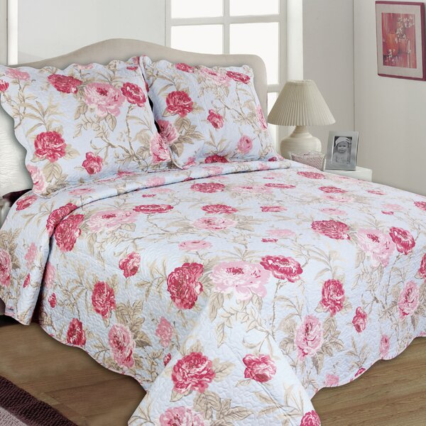 Lexi Reversible Quilt Set by United Curtain Co.