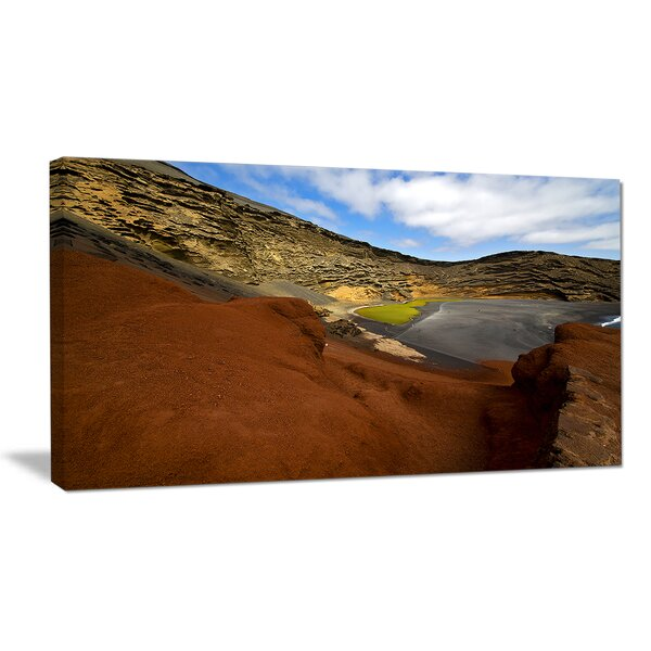 In El Golfo Lanzarote Spain Musk Pond Photographic Print on Wrapped Canvas by Design Art
