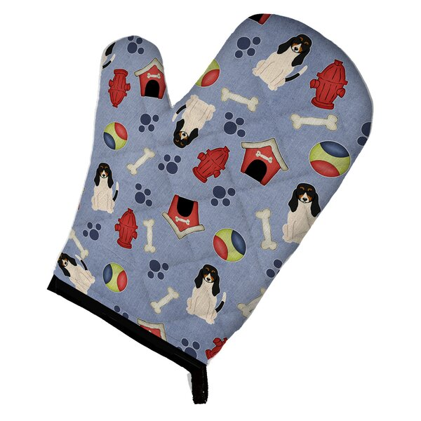 Dog House Swiss Hound Oven Mitt by Caroline's Treasures