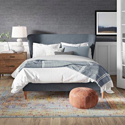 Platform Bed Queen pic