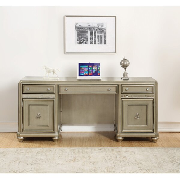 Lessing Executive desk