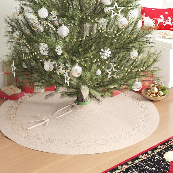 Jean Embroidered Tree Skirt by Lark Manor