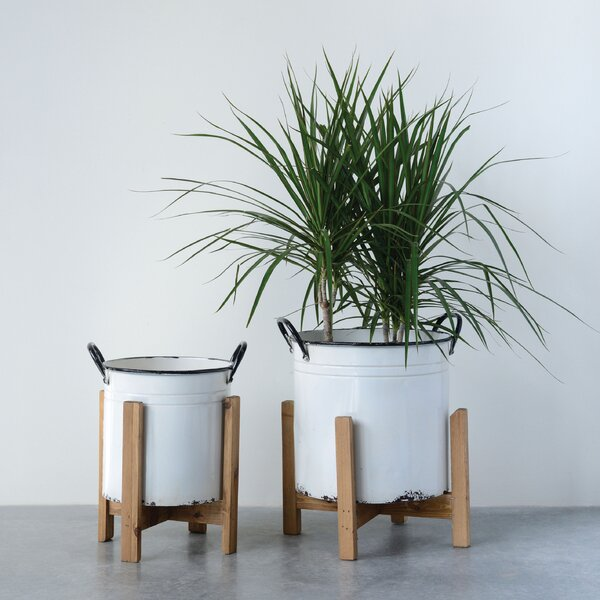 Darryl 2 Piece Metal Pot Planter Set with Wood Stands by George Oliver