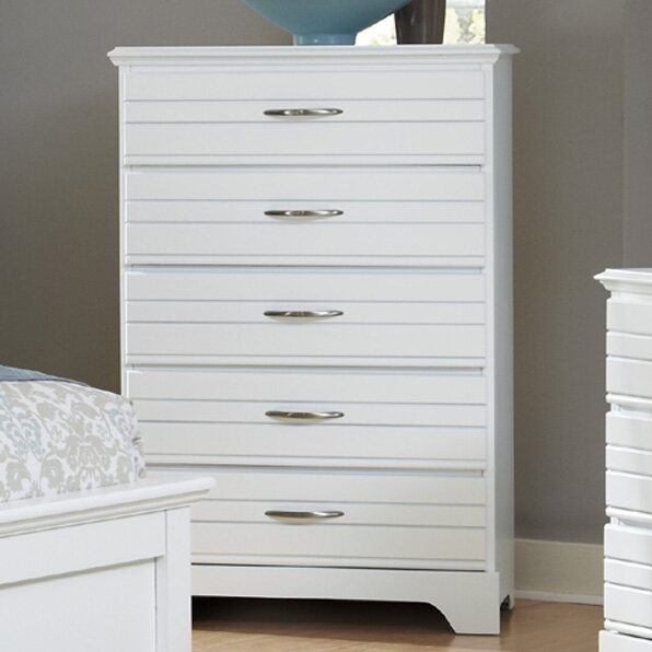 Della 5 Drawer Chest by August Grove