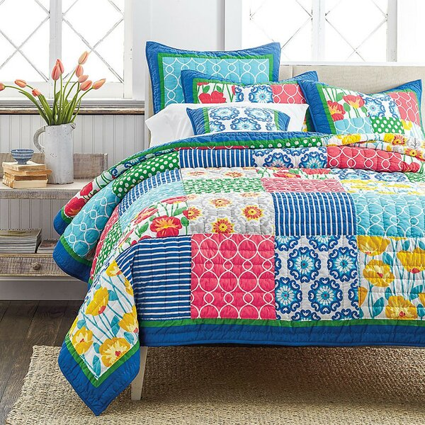 Dreamy Meadow Quilt Set by Tache Home Fashion