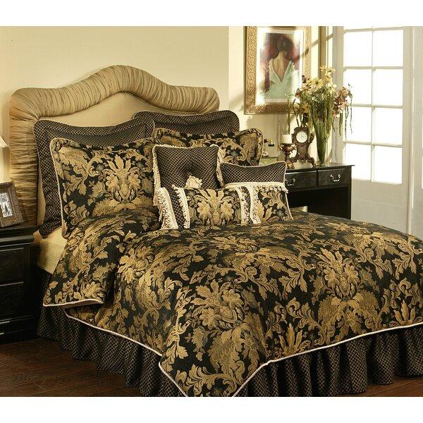 Karol Comforter Set