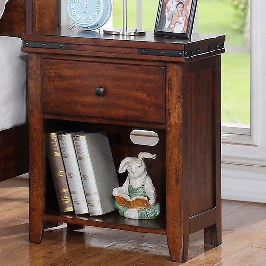 Nashoba 1 Drawer Nightstand By Loon Peak by Loon Peak Great Reviews