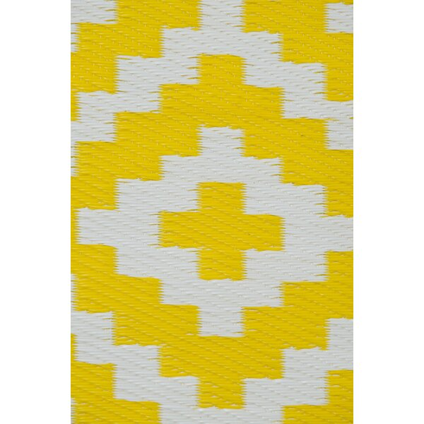 Nirvana Yellow/White Indoor/Outdoor Area Rug by Green Decore