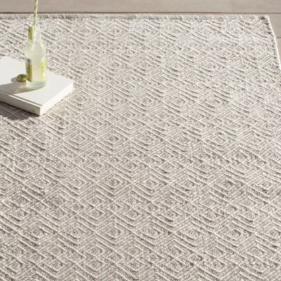 Annabelle Hand-Woven Grey/Ivory Indoor/Outdoor Area Rug