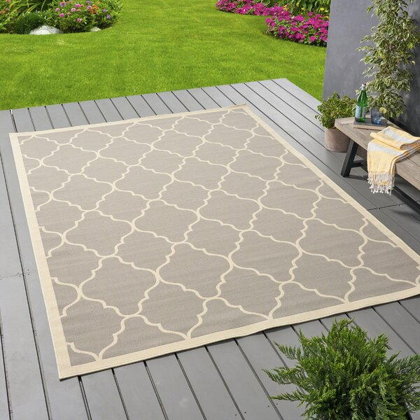 Helena Geometric Gray/Ivory Indoor/Outdoor Area Rug by Alcott Hill