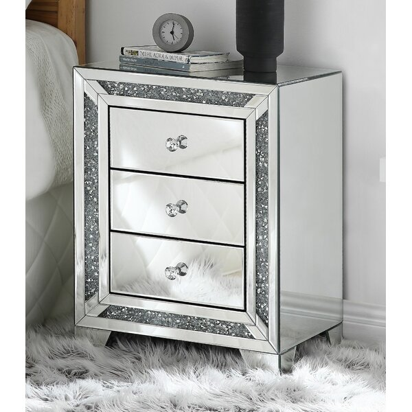 Iyanna 3 Drawer Nightstand by Rosdorf Park
