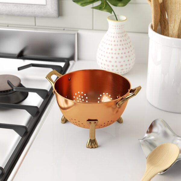 Oey Berry Colander by Mint Pantry