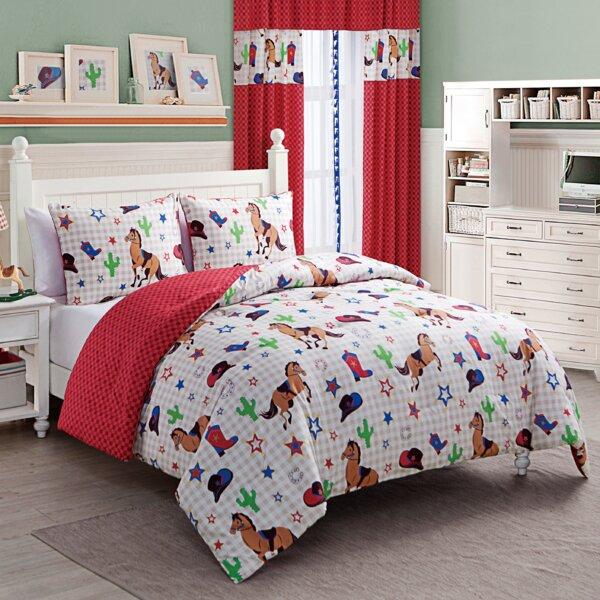 Priscila Reversible Comforter Set by Zoomie Kids