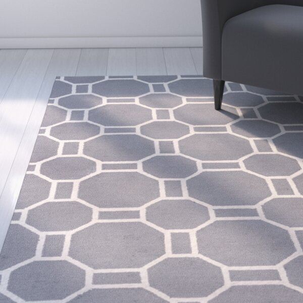 Evangeline Hand-Tufted Gray Geometric Indoor/Outdoor Area Rug by Ebern Designs