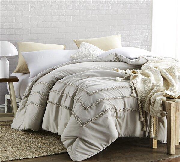 Lucian Whitehall Street Border Ruffles Comforter b