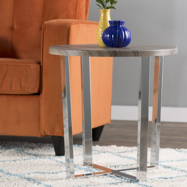 Harnish End Table by Mercury Row
