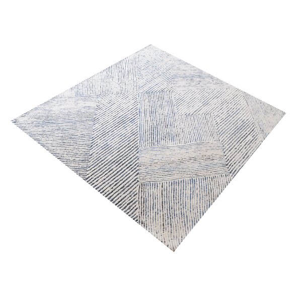 Lia Dryden Hand-Tufted Ivory/Blue Area Rug by Highland Dunes