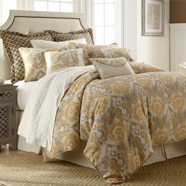 Cynda 4 Piece Comforter Set