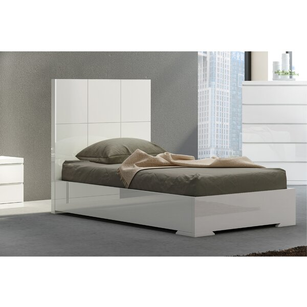 Austin Standard Bed by Wade Logan