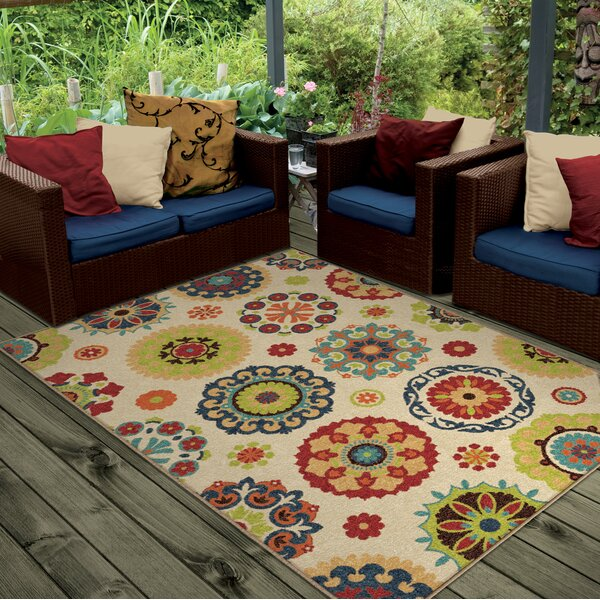 Maen Neutral Cream Indoor/Outdoor Area Rug by Latitude Run