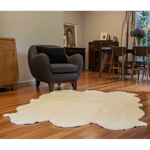 Curly Zealamb White Rug by Bowron Sheepskin Rugs