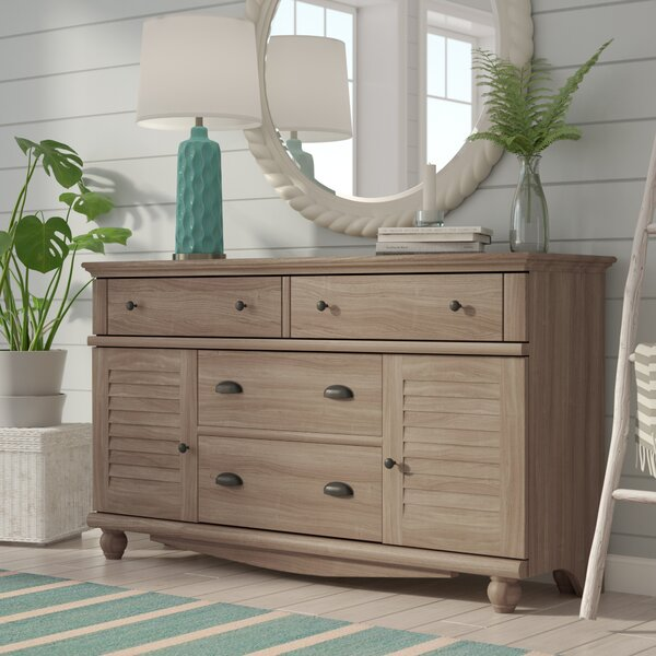 Pinellas 4 Drawer Combo Dresser By Beachcrest Home by Beachcrest Home Wonderful