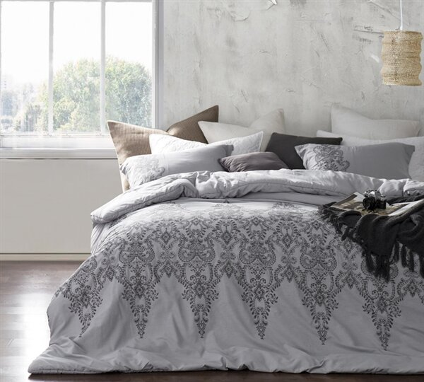 Brandi Stitch Comforter by Mistana
