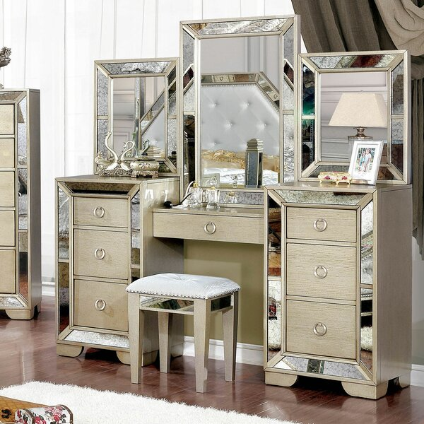 Susann Vanity Set with Mirror by House of Hampton