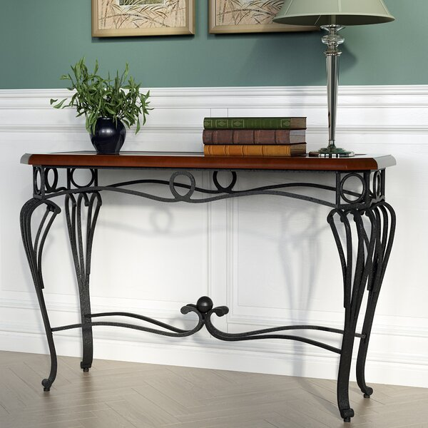 Review Broughton Console Table