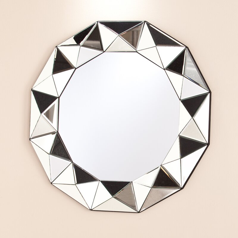 Exceptional Traditional Round Decorative Wall Mirror