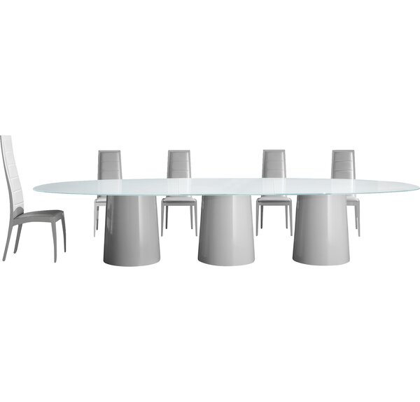 Antares 420 Dining Table by YumanMod