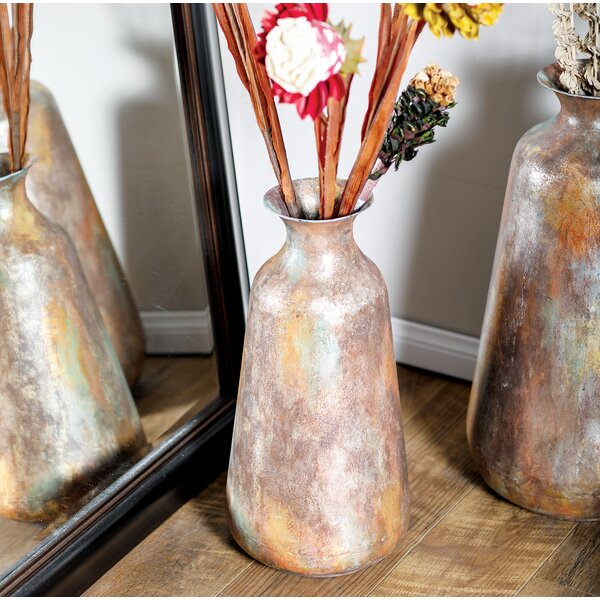 Quaria Contemporary Iron Floor Vase by World Menagerie