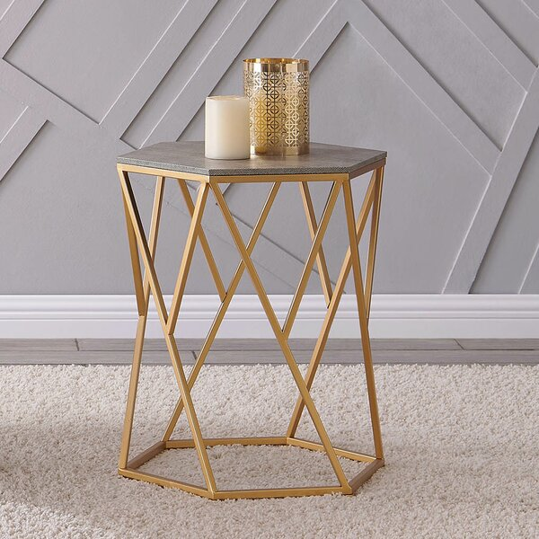 Dodgeville End Table By Mercer41