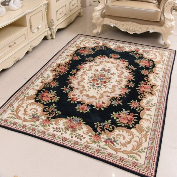 Classic Retro Black/Beige Area Rug by OceanBridge
