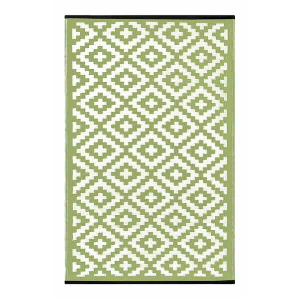 Lightweight Reversible Leaf Green/Ivory Indoor/Outdoor Area Rug by Wildon Home ®
