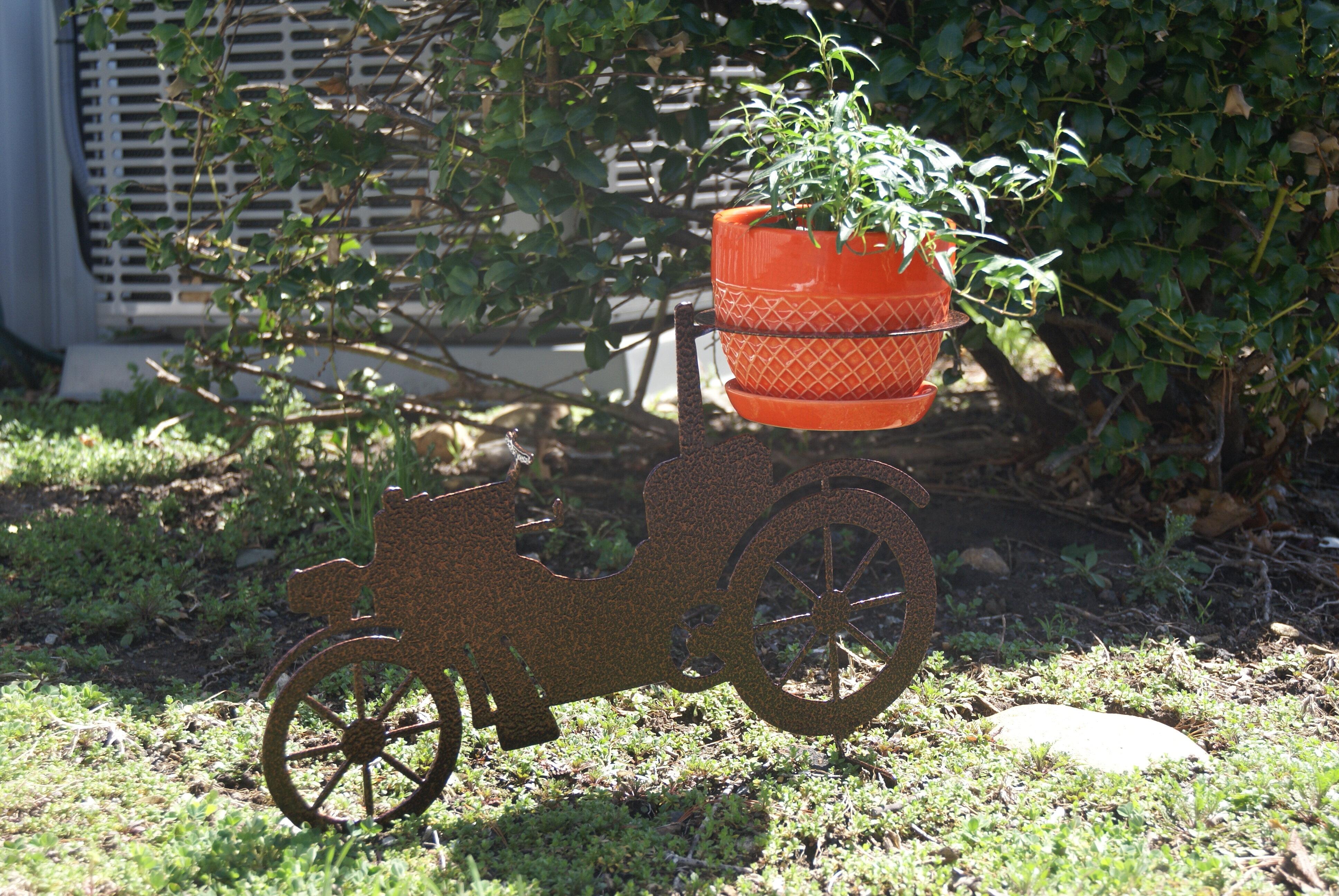Riverstone Industries Corporation 3d Metal Lawn Art Car Pot