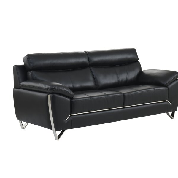 Review Ashingt Sofa