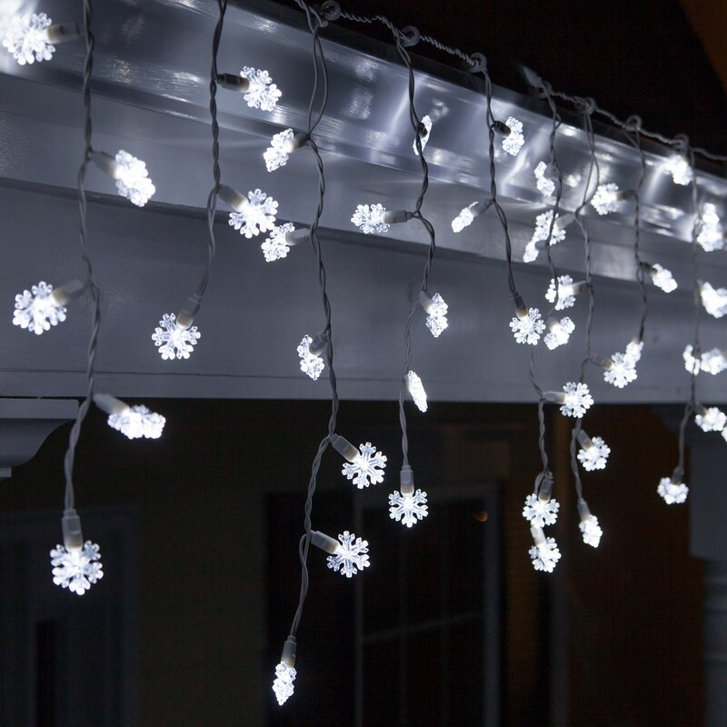 70 Light Snowflake Icicle LED Light Amazing Pictures