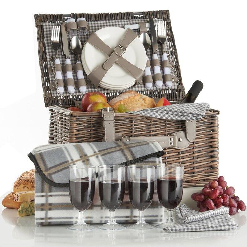 Deluxe 4-Person Traditional Wicker Picnic Basket