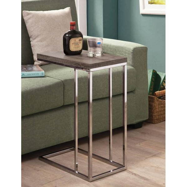 Review Bergstrom End Table