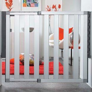 Read Reviews Loft Aluminum Safety Gate ByMunchkin