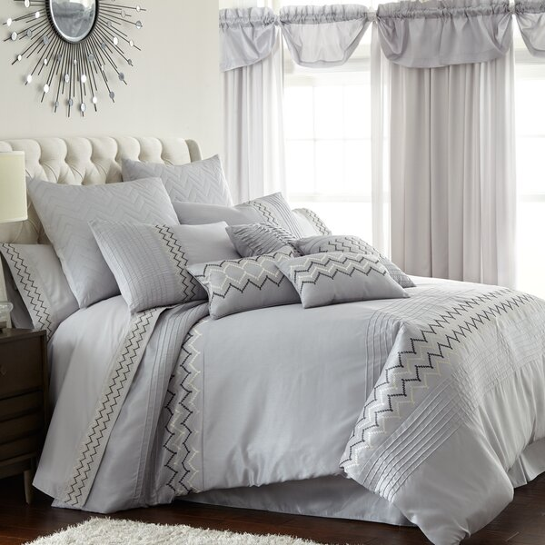 Navassa Comforter Set by Latitude Run